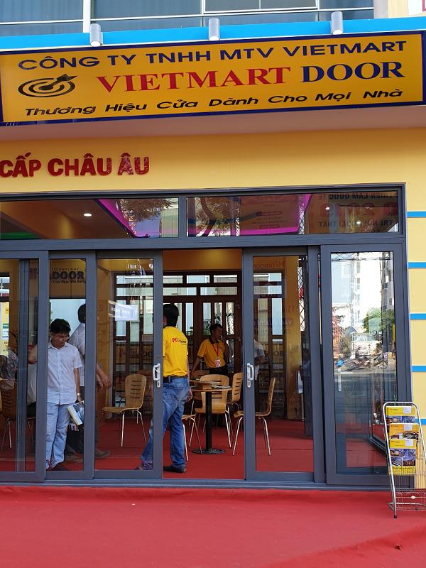 Vietmart Door lắp đặt, sản xuất cửa nhôm xingfa